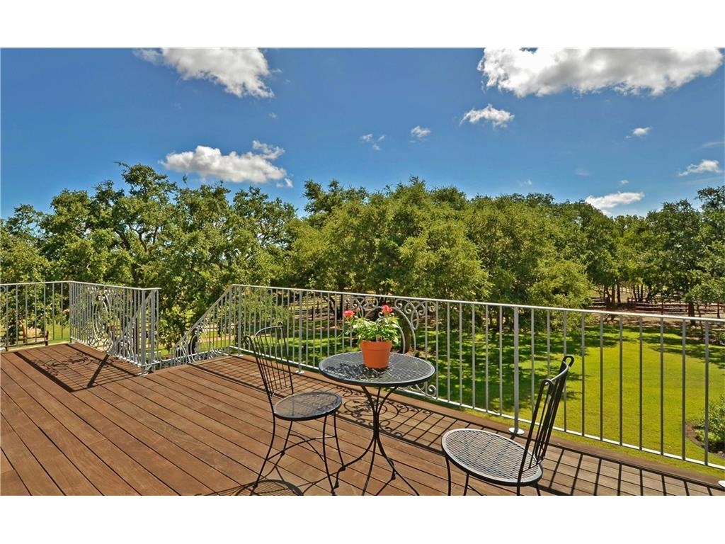 dripping-springs-retreat-for-sale