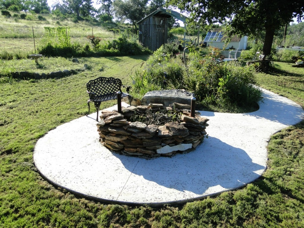 Love Creek Ranch Outdoor space